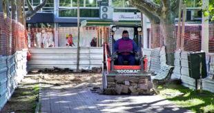 Comenzó la reconstrucción de veredas en la plaza Colón