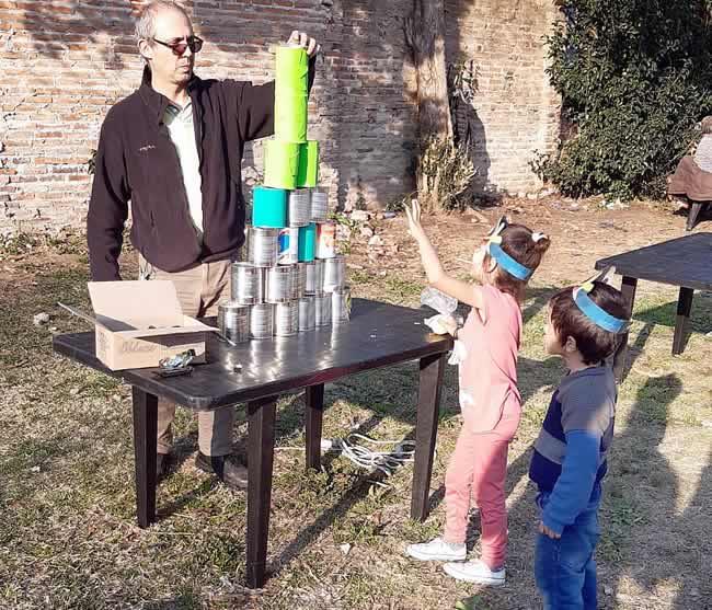 Romero celebró el Día del Niño con los vecinos