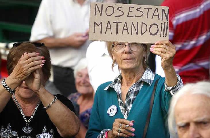 Jubilados marchan a PAMI