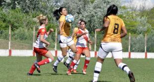 <span style='color:#ffb233;'><h6>Futbol Femenino</h6></span>  Cuarta derrota consecutiva para las lujaneras